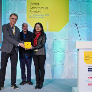 Peter and Prof. Cai Ling of GZU School of Architecture and Urban Planning receive the award at WAF 2019 (Photo: WAF)